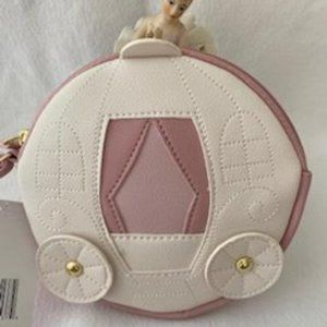 BETSEY JOHNSON IVORY CARRIAGE COIN PURSE/WRISTLET